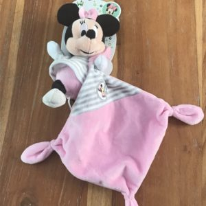 minnie peluche rose