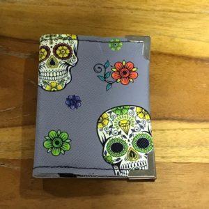 porte cartes fidélité têtes de mort gris