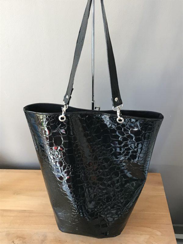 sac seau vernis noir support